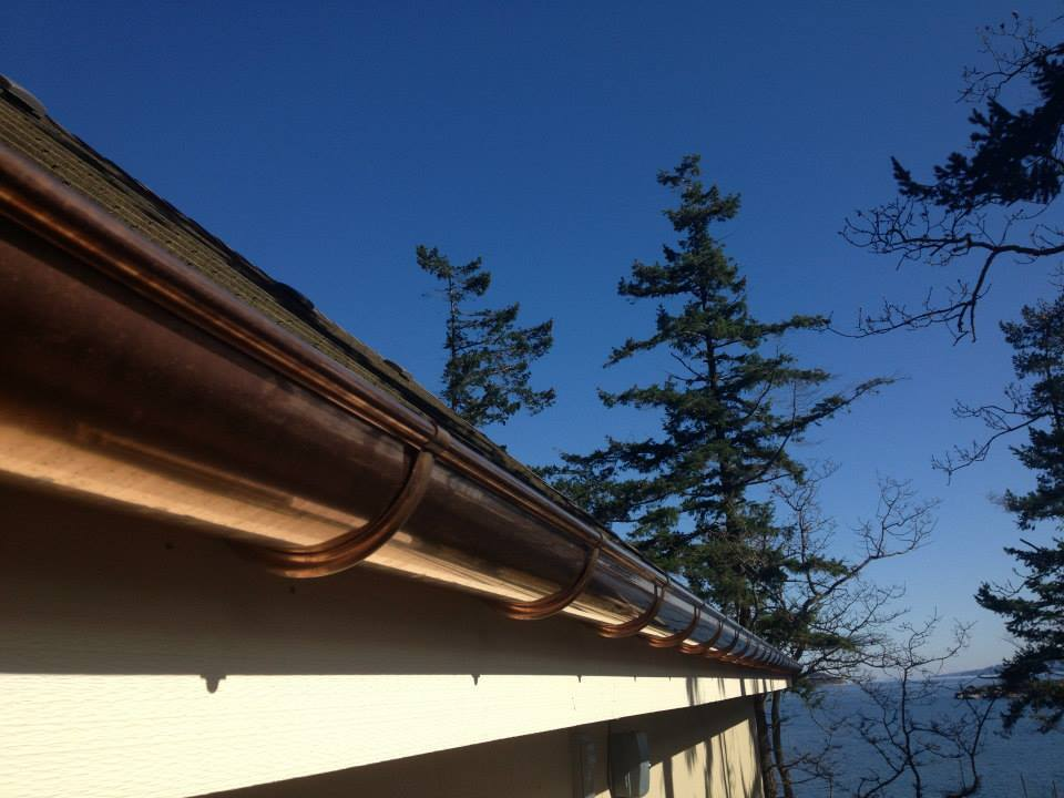 Replacing or repairing gutters in Parksville